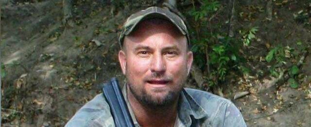 Caçador morre após ser esmagado por elefante baleado na África