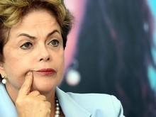 'Olha o que eles fizeram com o Brasil', afirma Dilma para aliados