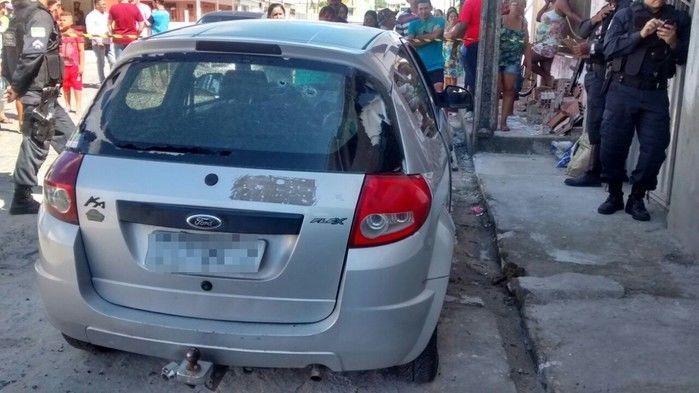 Veículo onde ocorreu o crime