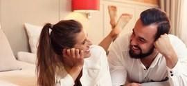 Fazer sexo em um hotel é opção para agitar relação morna,diz estudo