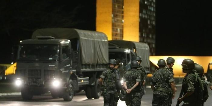 Michel Temer volta atrás e Exército deixará a Esplanada