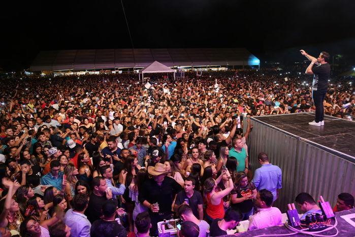 Milhares curtem Xandy Aviões na 5ª Edição do Expoeiras (Crédito: Reginaldo Oliveira)