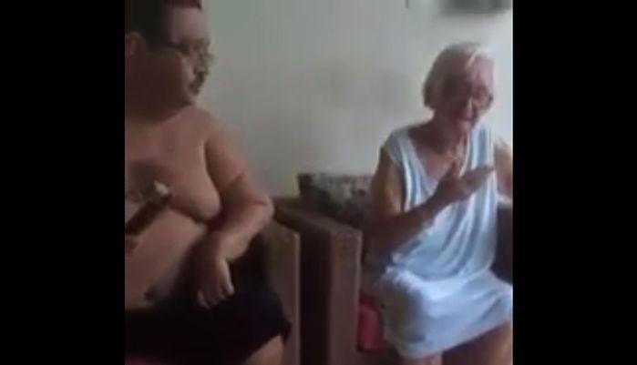 Polícia prende homem flagrado em vídeo agredindo sua mãe de 84 anos