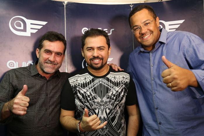 Prefeito osé Raimundo Lopes, Xandi e o secretário de Infraestrutura Luis Henrique (Crédito: Reginaldo Oliveira)