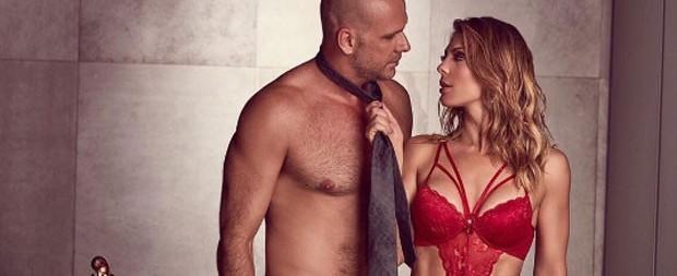 Sheila Mello exibe ótima forma em ensaio com marido Xuxa