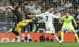CR7 faz 3 gols no Atlético e deixa Real perto da final da Champions