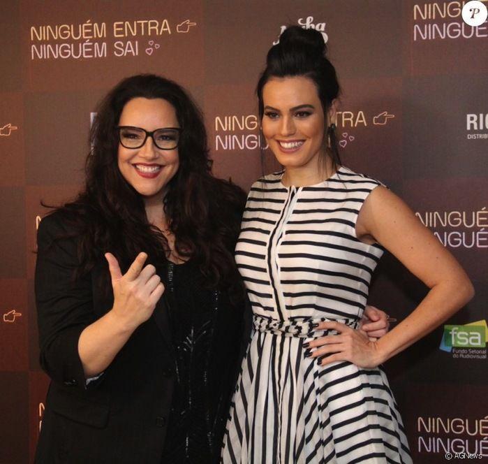 Ana Carolina posta foto romântica com a namorada Leticia Lima