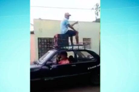 Polícia obriga bandidos a pedir desculpas por falso golpe