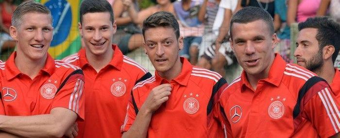 Tite vê a Alemanha como inspiração e apoia familiares na Copa