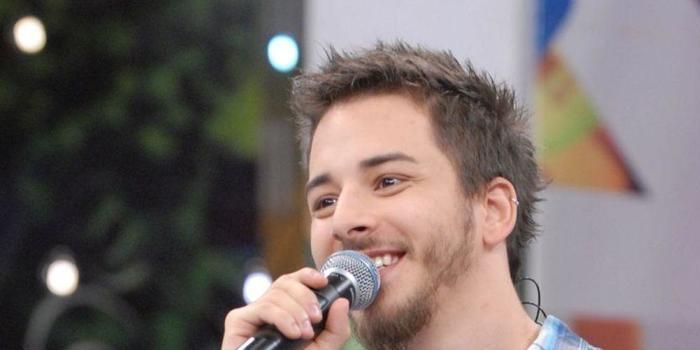 """Júnior Lima comenta boatos sobre ser gay: """"Tive crises de pânico"""""""