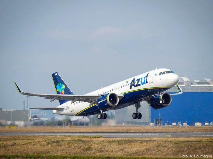 Azul iniciará a cobrança de taxa adicional para despacho de bagagem em voos promocionais em 1º de junho