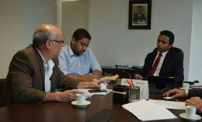 ecretário de Estado da Saúde, Francisco Costa, durante reunião (Crédito: Divulgação)