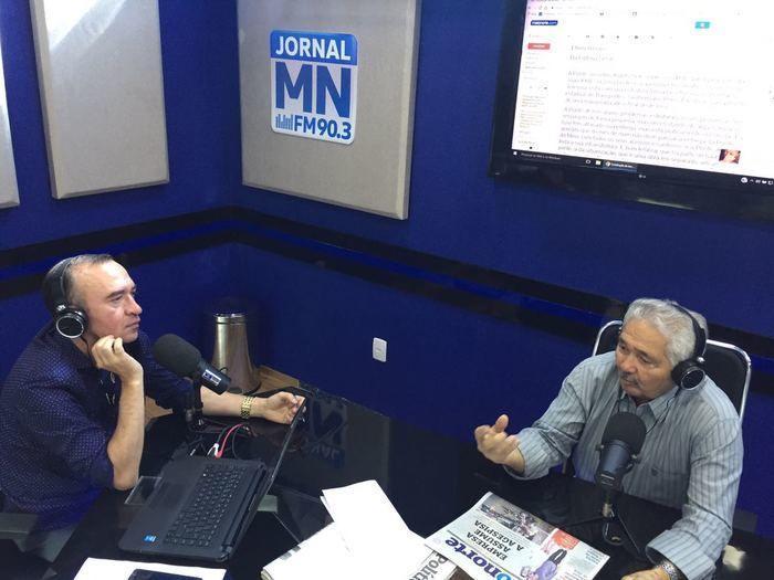 Senador Elmano Ferrer na Rádio Jornal Meio Norte (Crédito: Waldelucio Barbosa)