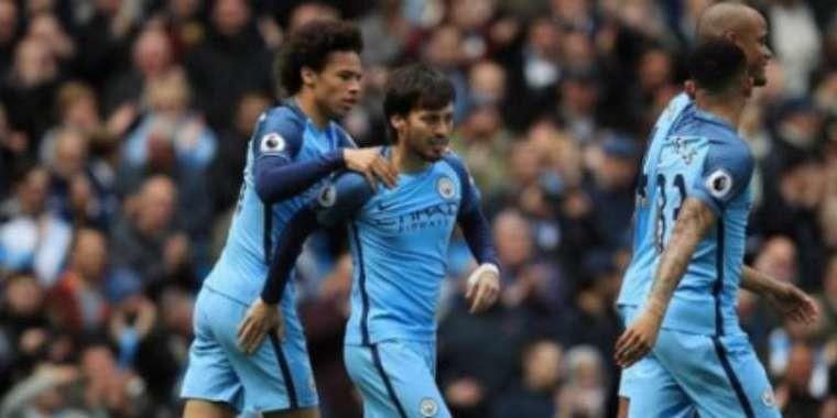Manchester City goleia com excelente atuação de Gabriel Jesus