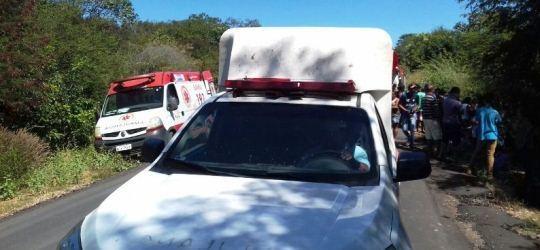 Acidente grave com ônibus de passageiros: Vítimas fatais na BR-135