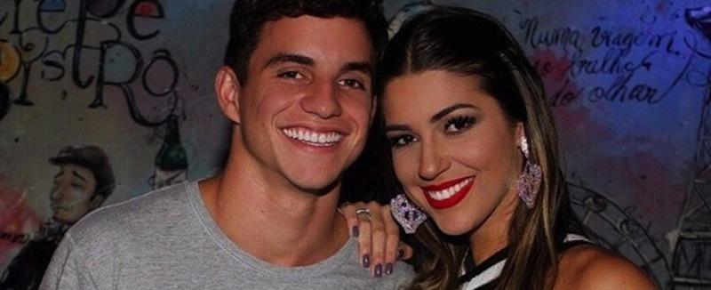 Após viagem, Manoel diz que romance com Vivian sai fortalecido