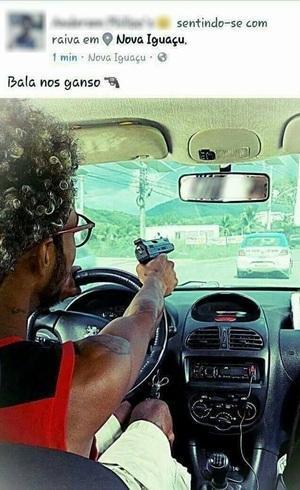 Cadeirante é preso após postar foto apontando arma para viatura