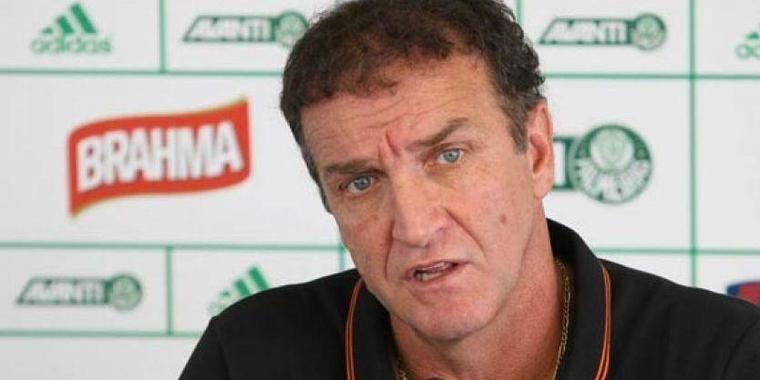 Técnico Cuca é apresentado ao Palmeiras pela diretoria