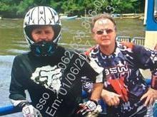 Aécio manda fotografias ao lado de motociclistas para rebater PF