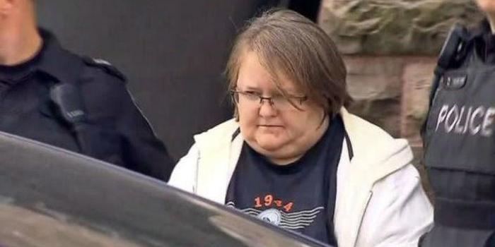 Enfermeira confessa ter matado oito idosos e diz: 'estava infeliz'