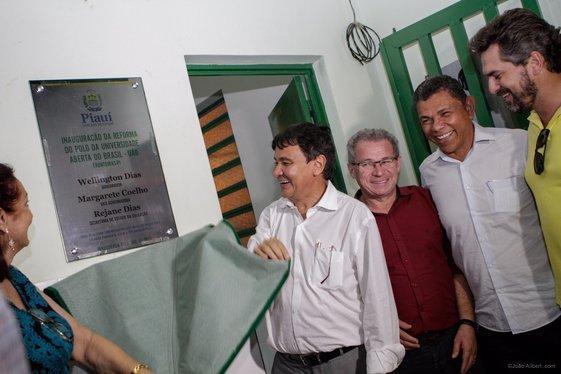 Governador entrega obras (Crédito: João Albert)