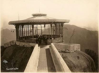 Corcovado, no Rio, antes da construção do Cristo Redentor
