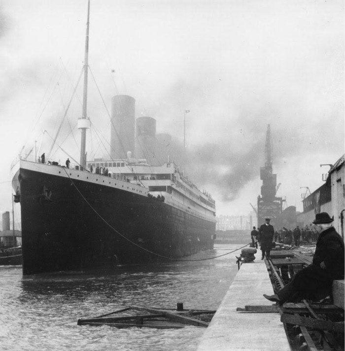 Titanic antes de seguir viagem