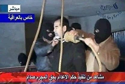 Saddam Hussein com a corda