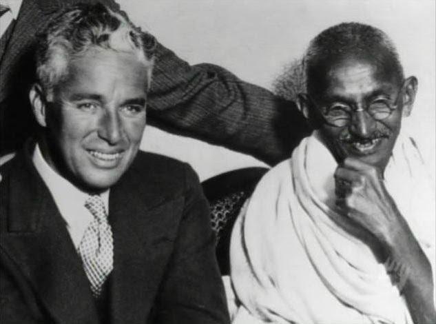 Chaplin e Gandhi