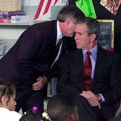 Momento em que Bush fica sabendo do do ataque às Torres Gêmeas