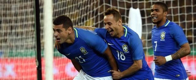 Diego Souza se diz 'à vontade na seleção' após marcar dois gols
