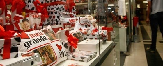 Vendas para o Dia dos Namorados caem 9,61%, mostra pesquisa