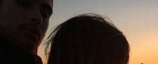 Tatá Werneck e Rafel Vitti curtem pôr do sol em Paris