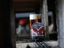 'Trem de cerveja' faz sucesso em bares e pode chegar ao Brasil?