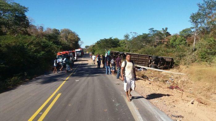 Acidente envolvendo ônibus deixa mortos e feridos (Crédito:  Divulgação/PRF)