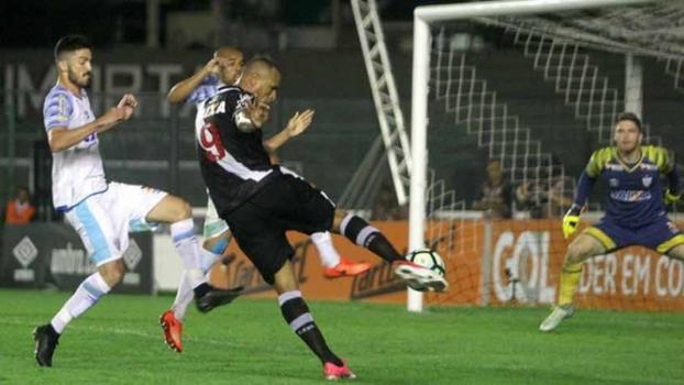 Luis Fabiano na partida contra o Avaí  (Crédito: Reprodução)
