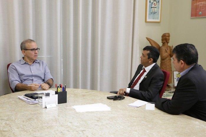 Prefeito Firmino Filho esteve reunido com representantes da PRF (Crédito: Rômulo Piauilino)