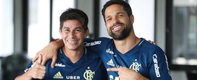 Flamengo decide se terá Diego e Conca por até 30 minutos em jogo