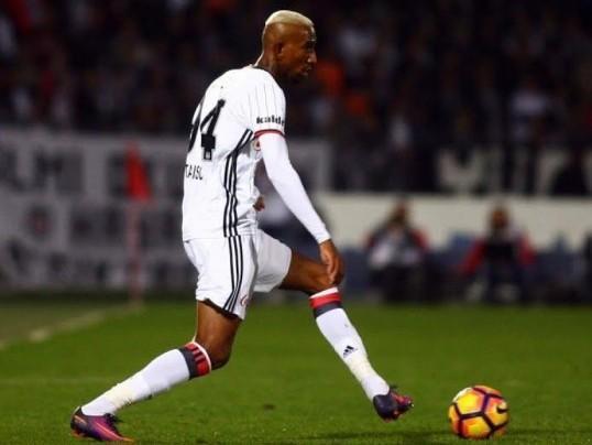 Brasileiro Anderson Talisca deve reforçar o Manchester United