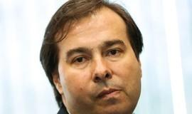 Polícia investiga envio de envelope com fezes para Rodrigo Maia