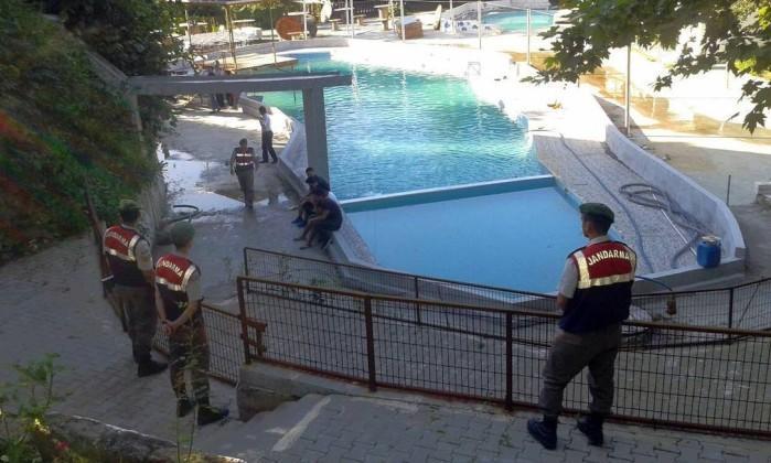Policiais isolaram a área (Crédito: Reprodução )