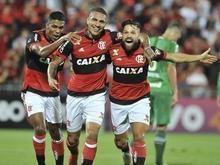 Guerrero faz três, Diego dois, e Flamengo atropela a Chape