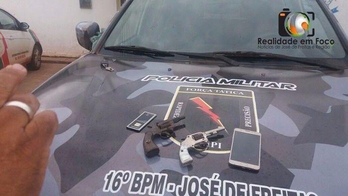 Jovem é preso com duas armas de fogo em José de Freitas