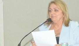 Vereadora Dra. Fátima Apresentou  Requerimento 025/2017