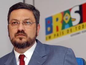 Juiz Sérgio Moro confisca US$ 10,2 milhões das contas de Palocci
