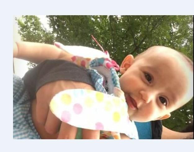 Bebê de 6 meses se afoga após mãe se distrair com rede social