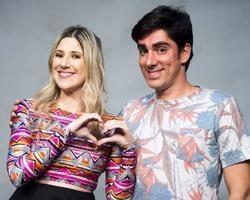 Marcelo Adnet inicia namoro com estudante após separar de Calabresa