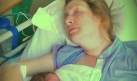 Mulher tem derrame e fica de cadeira de rodas após orgasmo