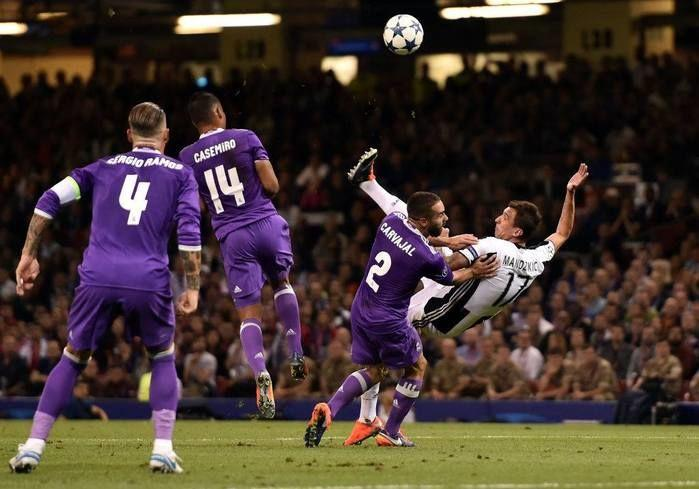 Croata Mandzukic marcou o gol de honra da Juventus (Crédito: UEFA)