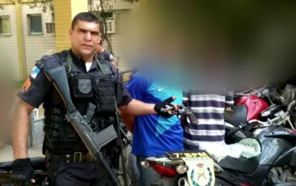 PMs são presos após negociar propinas com traficantes do RJ